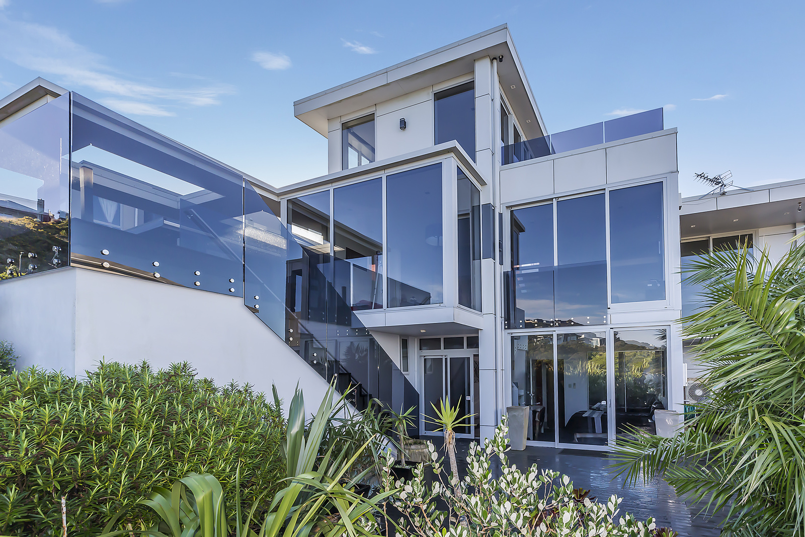 Large Executive Home With Expansive Views in Newlands, Wellington